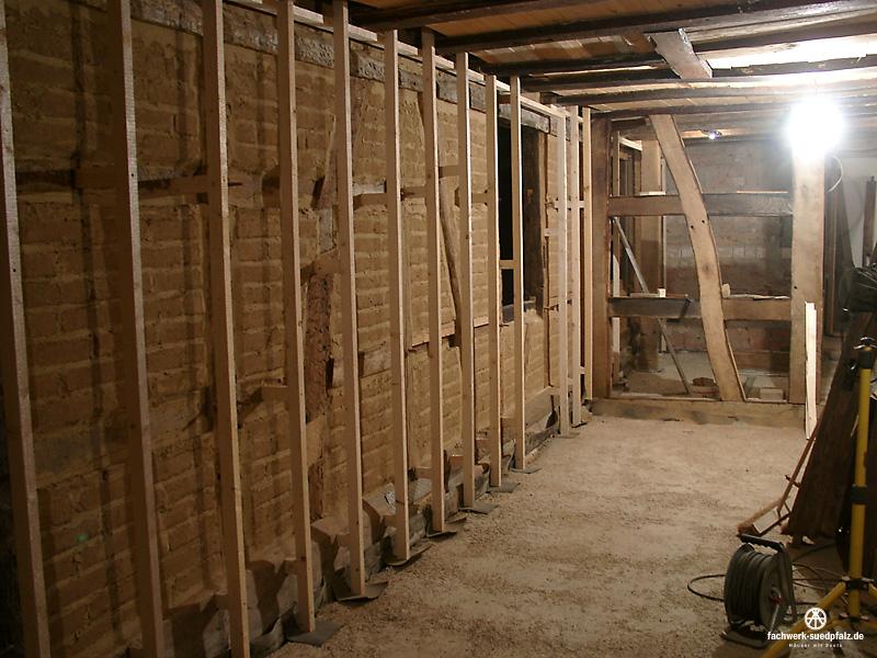 lattung leichtlehminnenschale fachwerk suedpfalz h user mit seele. Black Bedroom Furniture Sets. Home Design Ideas