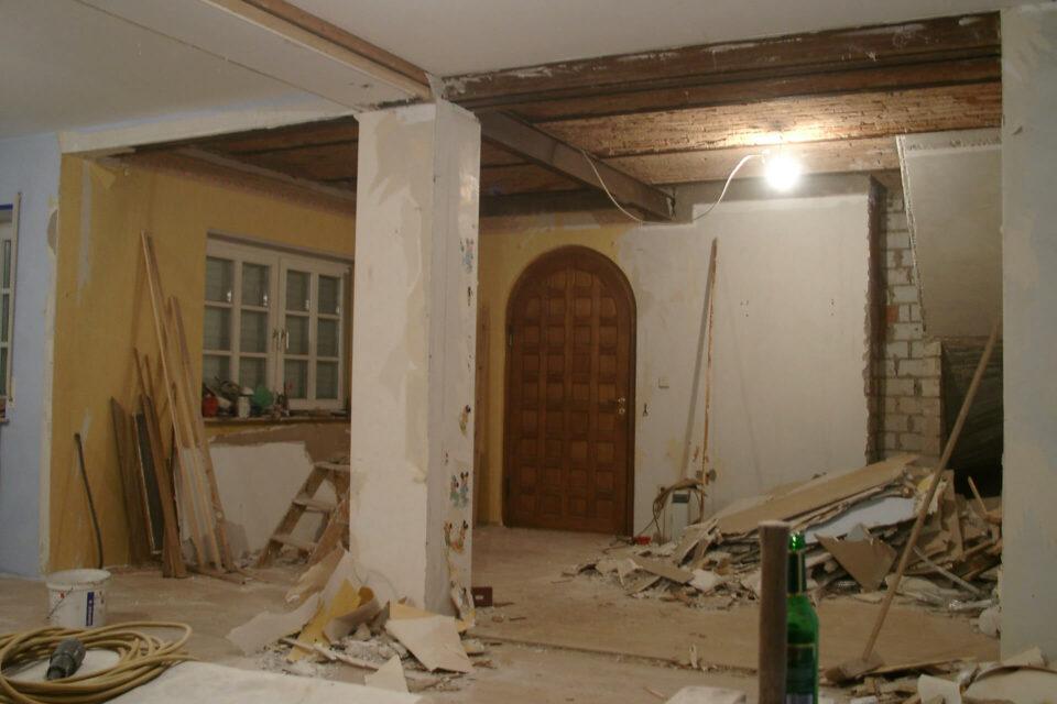 Abbrucharbeiten EG Scheune Fachwerkhaus