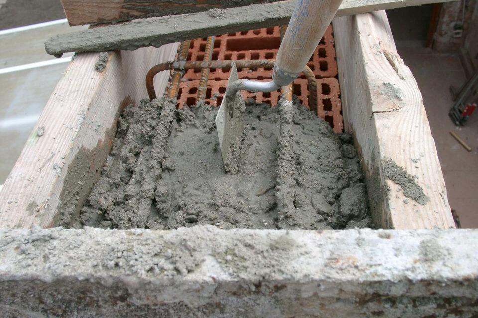 Ringanker betonieren FAchswerkhaus Scheunenanbau